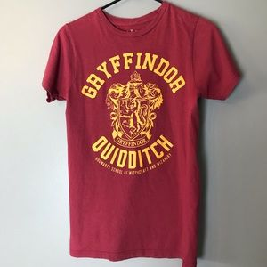 Gryffindor Quidditch Tee Shirt S Red Gold
